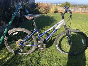 Woman trek mountain bike - bicycle - TREK for Sale in San Mateo, CA