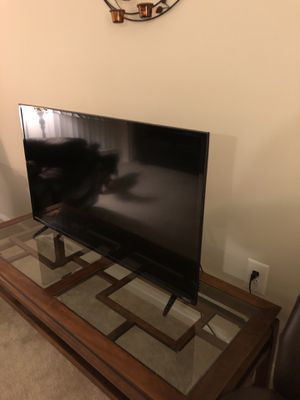 Vizio smart TV 43' for Sale in Oakton, VA