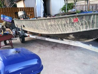 14 ft aluminum w/15 up 4 stroke eng for Sale in Seattle,  WA