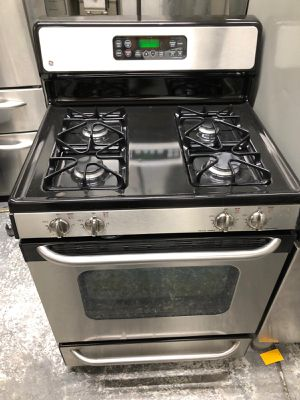 Gas stove GE for Sale in The Bronx, NY