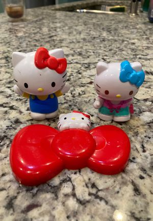 Hello kitty set and mirror for Sale in Houston, TX