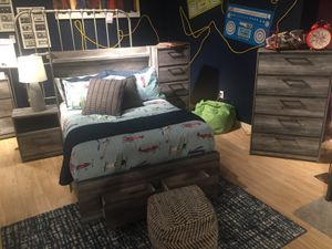 4 PC Queen Bedroom Set, Grey for Sale in Downey, CA