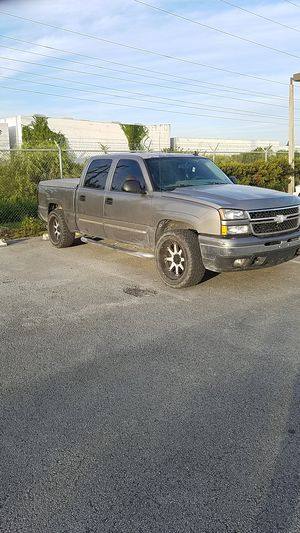Chevy Silverado lt 5.3l for Sale in Homestead, FL