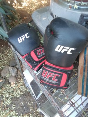 Ufc gloves $10 for Sale in Palmdale, CA