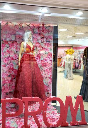 PROM DRESSES for Sale in Feasterville-Trevose, PA