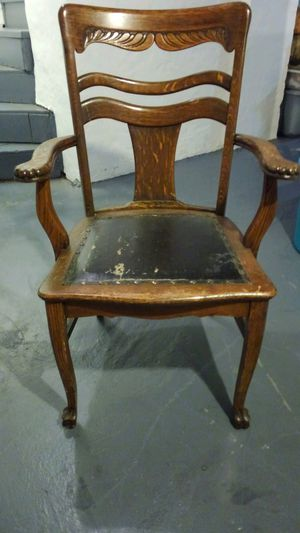 Claw foot oak chair for Sale in Pittsburgh, PA