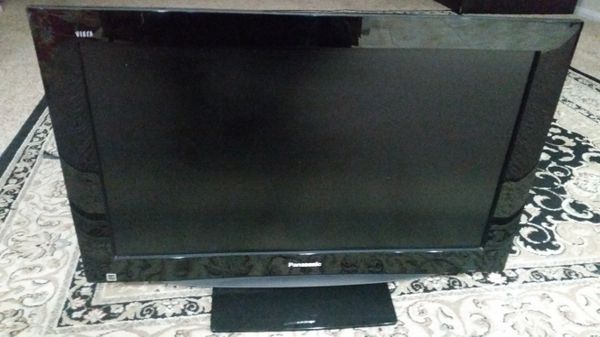 32 Inch Panasonic LCD TV