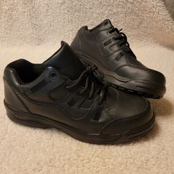NWOT Steel Tow Work Shoes for Sale in Atwater,  OH