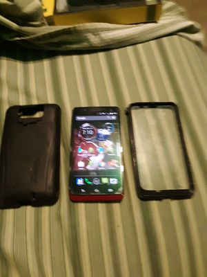 Droid Maxx smart phone with otterbox for Sale in Manchester, MO