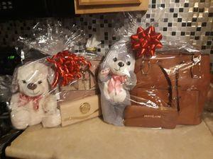 El regalo perfeto for Sale in Centreville, VA