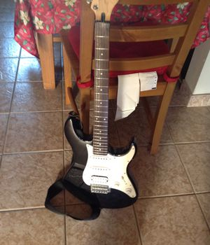 Yamaha electric guitar with case for Sale in Capitola, CA