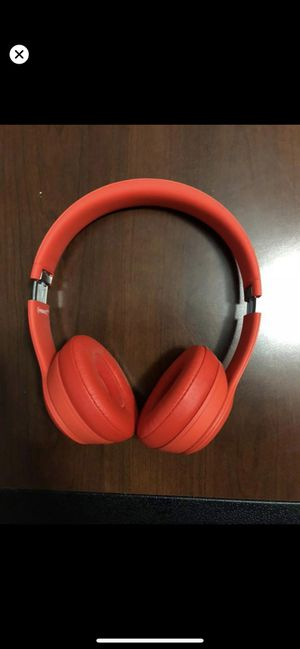 Beats solo 3 wireless 40hrs for Sale in Houston, TX