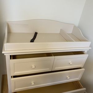 Baby Changing Table And Dresser for Sale in Kirkland, WA