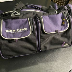Vintage 1990s B.U.M. Equipment Gym Duffle Shoulder Travel Bag for Sale in Tacoma, WA