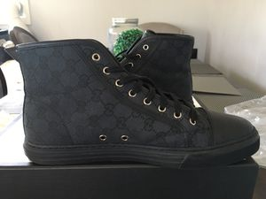 Gucci shoes sneakers black high top excellent condition like new for Sale in Bonita, CA