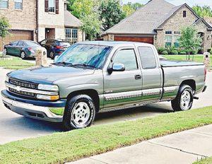 ֆ12OO 4WD CHEVY SILVERADO 4WD for Sale in Smithfield, VA