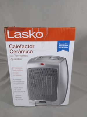 Lasko 754200 Ceramic Heater w/ Adjustable Thermostat 1500W for Sale in Cleveland, OH