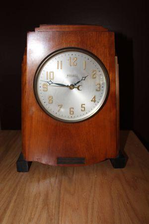 Antique Bulova mantel clock for Sale in Waterbury, CT