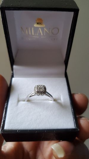 Milano engagement ring 14k have receipt from original purchase in Grand turk for Sale in New York, NY