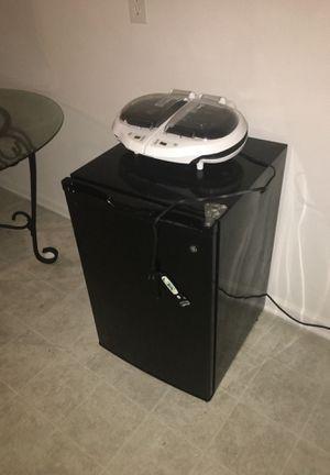 Mini fridge and George Forman grill for Sale in Springfield, VA
