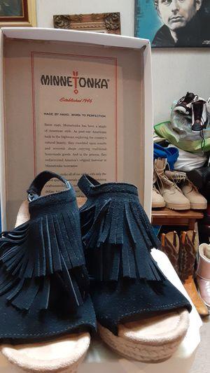 Minnetonka black leather sandals (8) for Sale in Overland Park, KS