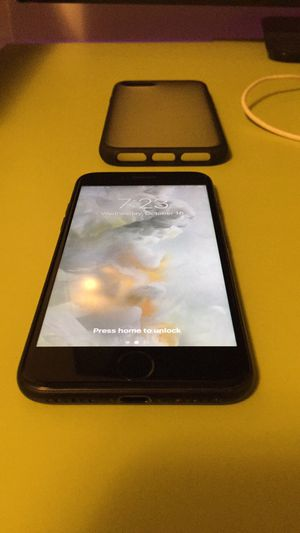 iPhone 7 Unlocked (AT&T T-Mobile) for Sale in Marietta, GA