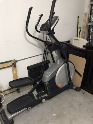 Nordictrack e 5.7 elliptical for Sale in Hialeah, FL