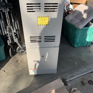 Furnace Goodman 70,000 Btu Upflow for Sale in Riverbank, CA