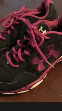 Under Armour 7.5 Gr8 Cond sneakers pink Lovers! for Sale in Fort Lauderdale,  FL
