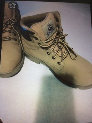 Steel toe boots size 8 1/2. for Sale in Crest Hill, IL