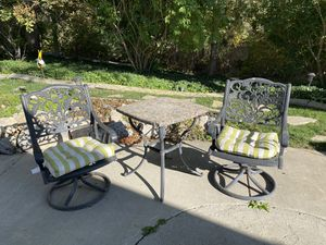 2 chairs and table with cushions for Sale in Pleasant Grove, UT