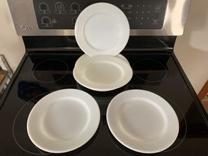 """8x Pyrex Tableware Milk Glass Dinner Plates 9 3/8"""" round for Sale in Milwaukee, WI"""