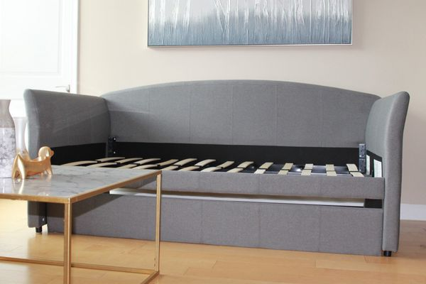 Brand new Upholstered Day Bed w/ Trundle
