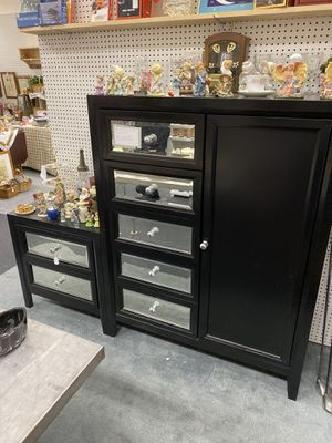 Dresser/night stand for Sale in Terre Haute, IN