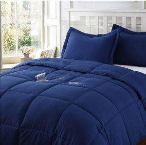 Water resistant & stain resistant comforter mini set Full/Queen for Sale in Fontana, CA
