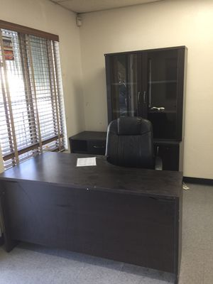 10 pc Beautiful office furniture for Sale in Los Angeles, CA