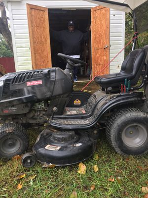 "Craftsman Lawn Tractor 21 HP, Variation speed 46"" Deck for Sale in UPR MARLBORO, MD"