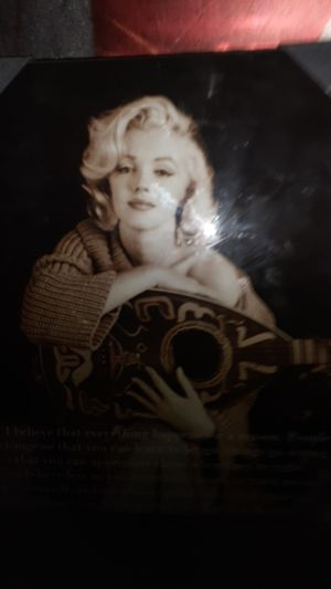 """Marilyn monroe pic 14"""" x18"""" for Sale in Fairfield, CA"""
