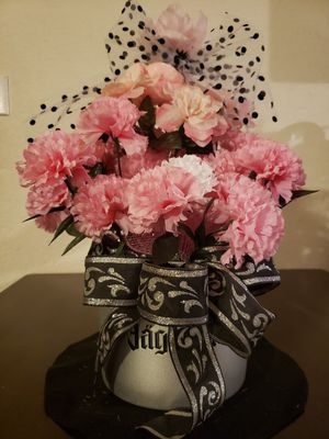 Artificial flower arrangement vase pink carnations for Sale in Hesperia, CA