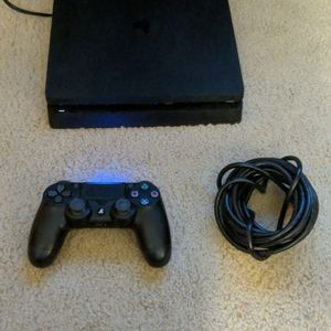 500GB PlayStation 4 Slim With 2 Games for Sale in Everett, WA