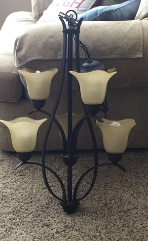 Chandelier with 6 lights !! Beautiful for Sale in Goodyear, AZ