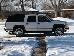 '99 chevy suburban....well maintained 200××× miles 26' rims beats. Epic center all for $3250 obo.. for Sale in Denver, CO