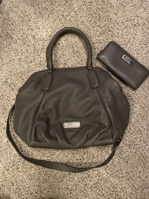 Marc Jacobs Shoulder Crossbody Handbag and matching wallet for Sale in Orland Park, IL