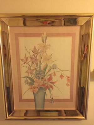 LARGE FLORAL PRINT / MAUVE AND ROSE COLORED / GOLD FRAME for Sale in Monroe, LA