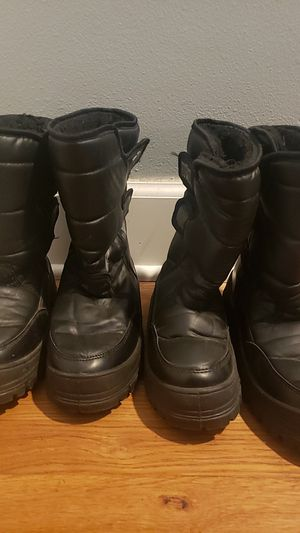 Snow boots for kids for Sale in Los Angeles, CA