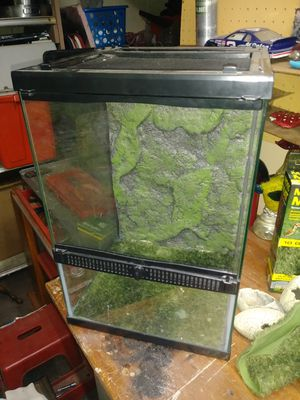 Gecko terrarium for Sale in Battle Creek, MI