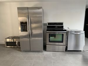 Whirlpool Energy Saver Gold Series Appliance Package for Sale in Scottsdale, AZ