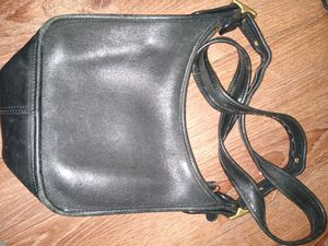 COACH LEATHER CROSSOVER BAG for Sale in St. Louis, MO