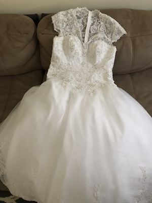 Wedding Dress, Mary's Bridal size 16w for Sale in Herndon, VA