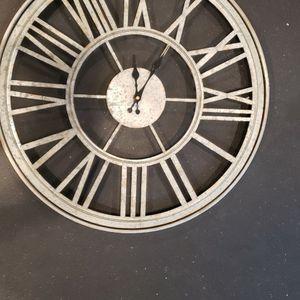 """20.5""""H Outdoor Clock for Sale in Alexandria, VA"""